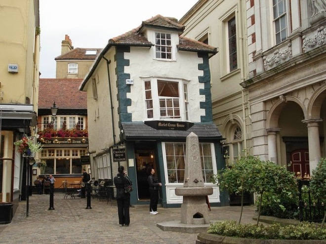crooked-house-windsor-3[6]