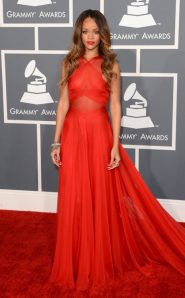 Rihanna_eonline_grammys